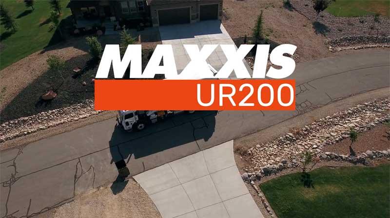 Maxxis UR200